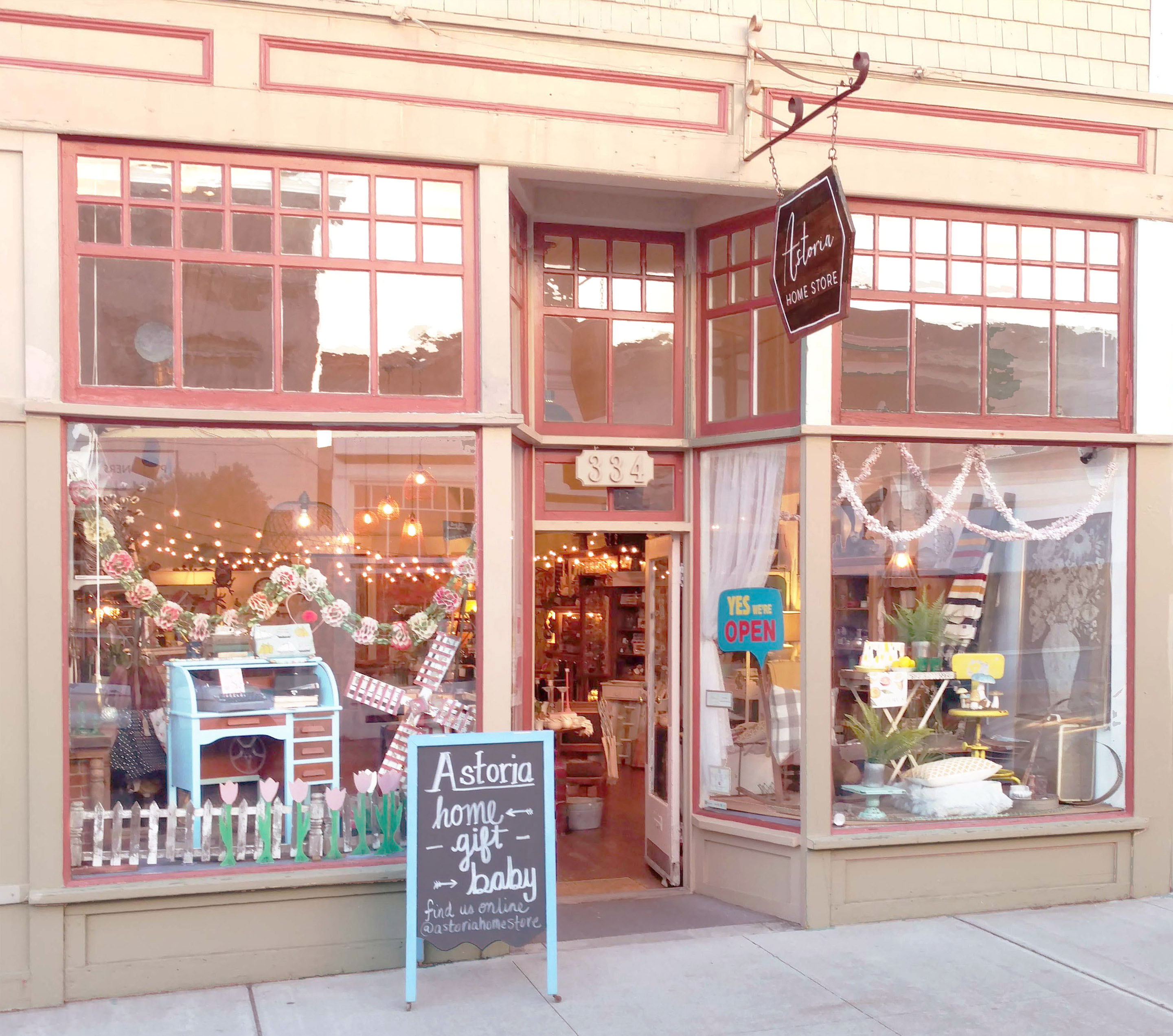 Household Stores: Astoria Home Decor And Gift Shop