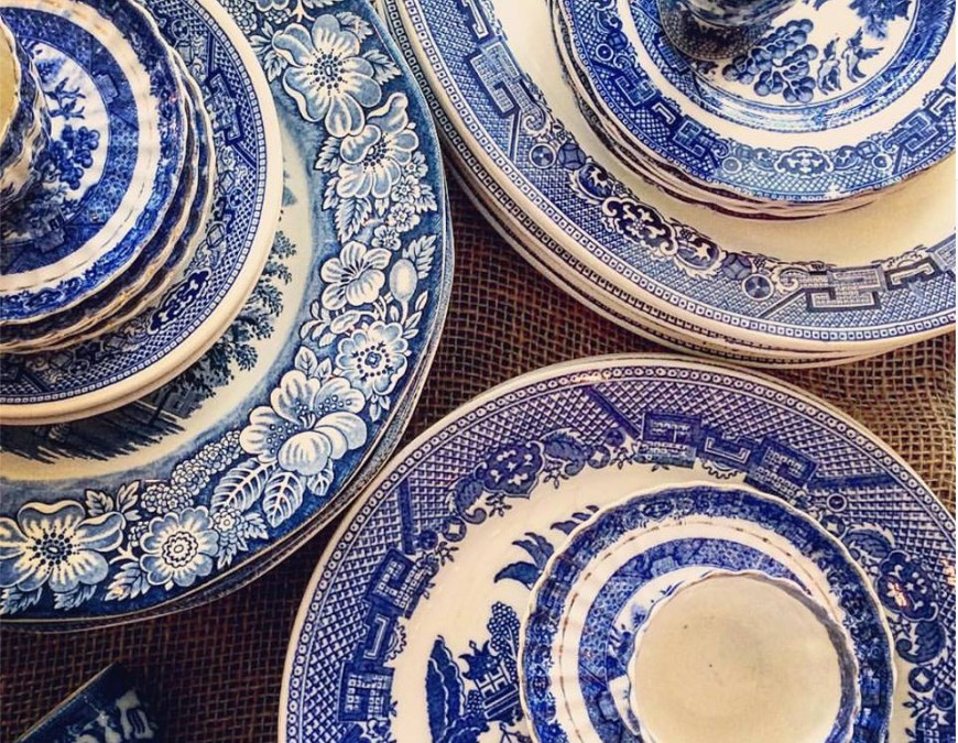 Satisfy your ‪#‎blueandwhite‬ addiction at Astoria. ‪#‎astoriahomestore‬ ‪#‎bluewillow‬ ‪#‎mismatchedplates‬
