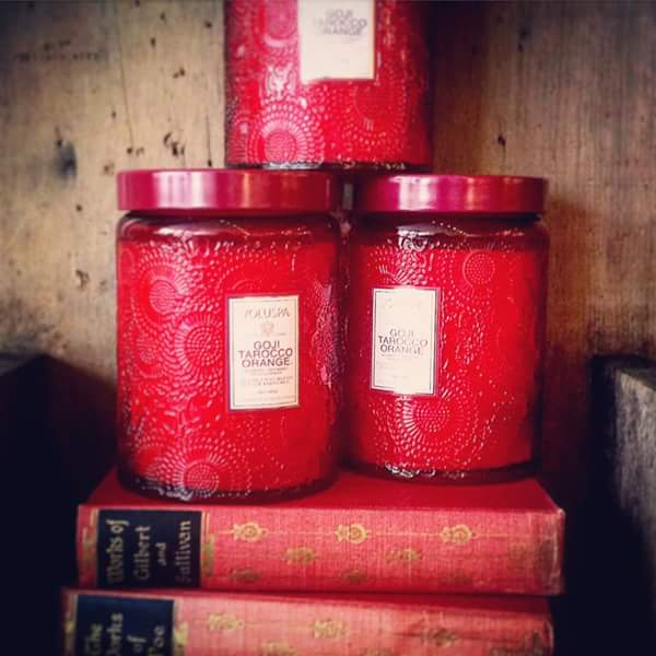 Order is in!  We are fully stocked with our bestselling Voluspa  Goji Tarocco Orange and Saijo Persimmon candles‪