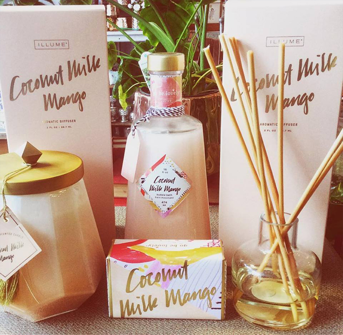 Back in stock!  Coconut Milk Mango aromatic diffusers are back!  Experience the best-selling scent of  mango, papaya, coconut milk and Tahitian vanilla in your home or workplace.  This scent is also available in lotion, soap, perfume, bubble bath, and candles.