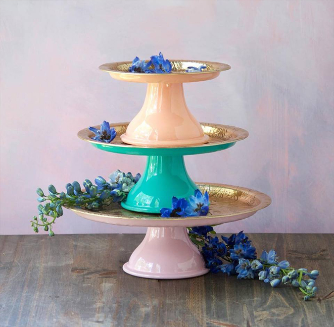 Love these new cake stands! Perfect for spring parties 🎉