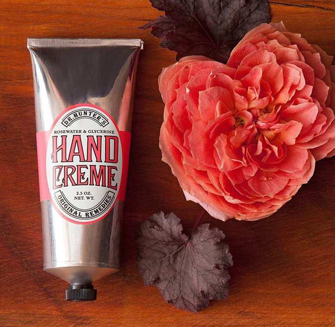 Love love love this delicately scented  Dr. Hunter's hand creme  – absorbs quickly and feels lovely on dry hands!  Perfect for the Rose lover in your life 🌹