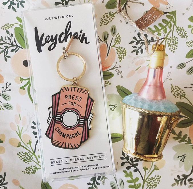 Need a fun little gift for a champagne lover?  Look no further! 🍾🥂😍