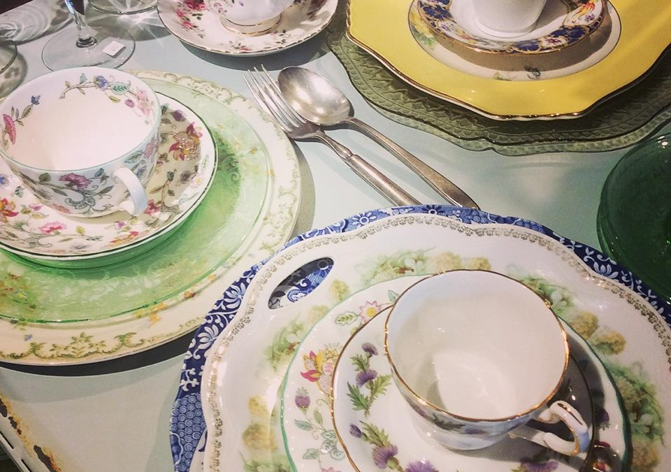 We've been beefing up our vintage dishes just in time for holiday gatherings!